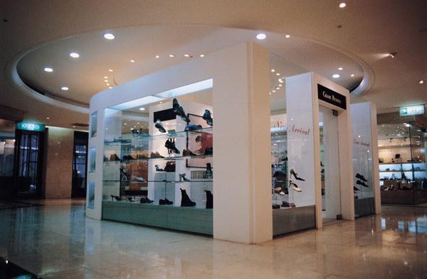 上汽大众某2层销售展厅及维修车间建筑设计施工图 商丘某4s店汽车展厅