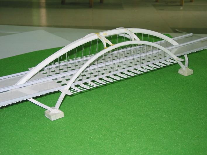 跨100m斜靠拱桥