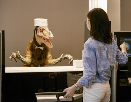 全球首家全机器人服务酒店在日本长崎开业
